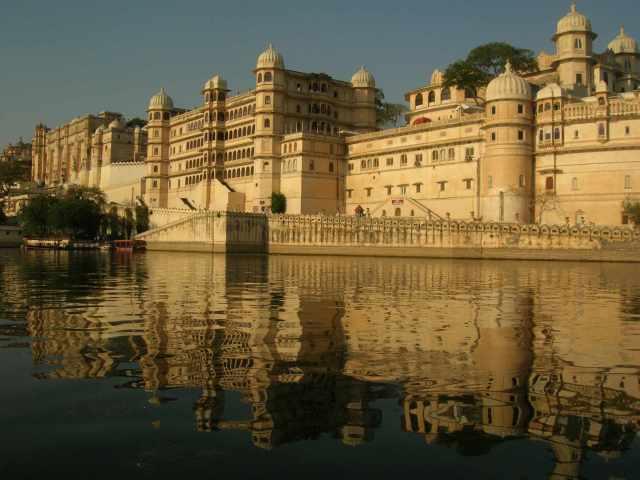 City Palace di Udaipur (vikingandre.com)