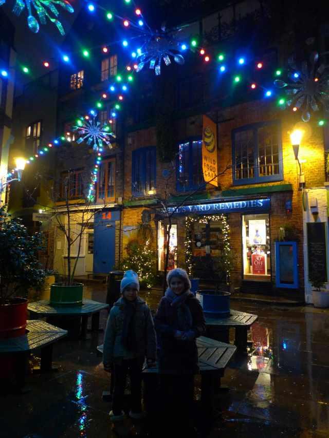 X-mas lights in Neal Yard (vikingandre.com)