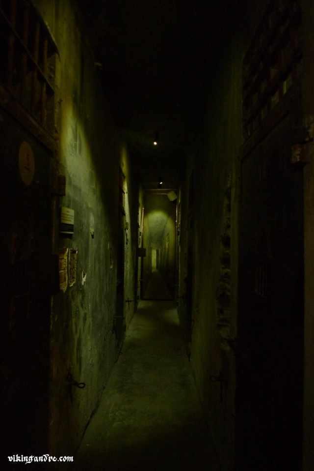 Hoa Lo prison: hanoi Hilton (vikingandre.com)