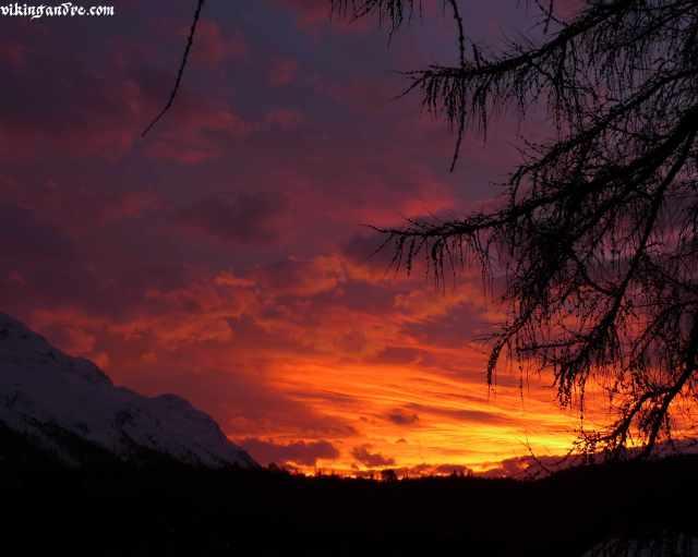 Sunset as seen from Muottas Muragl funicular (vikingandre.com)
