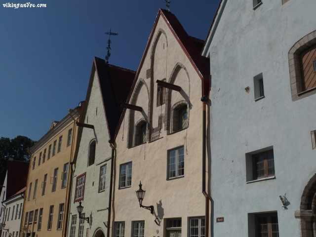 Vecchie case dei mercanti a Tallin (vikingandre.com)