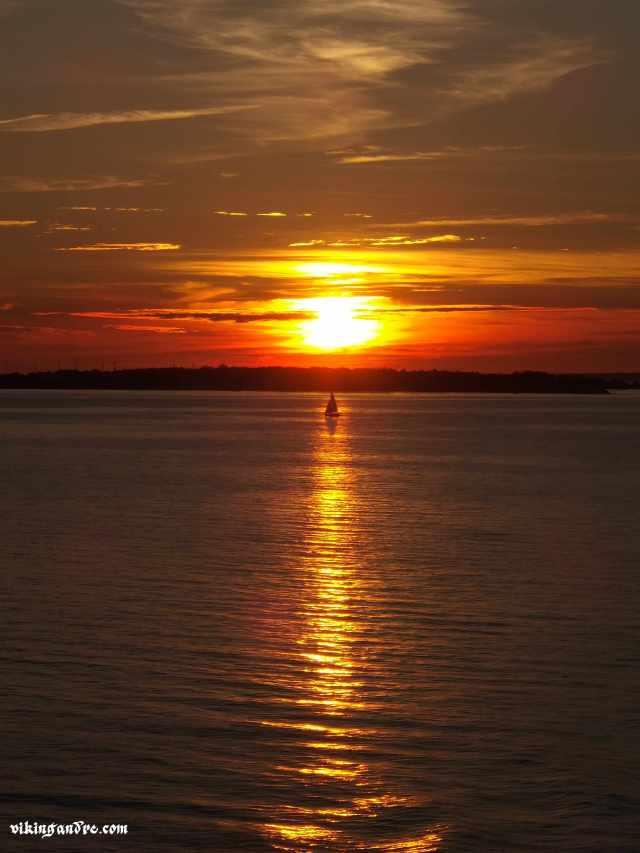 Tramonto sul Baltico, tra Helsinki e Tallin (vikingandre.com)