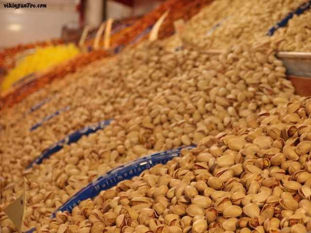 Pistacchi al bazar di Tehran (vikingandre.com)
